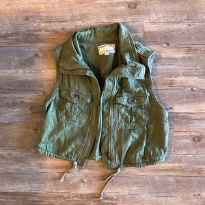 Aerie Cropped Green Vest